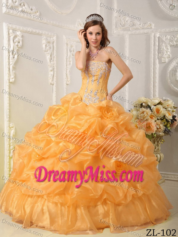 Gold Strapless Sweet Sixteen Quinceanera Dresses with Beading