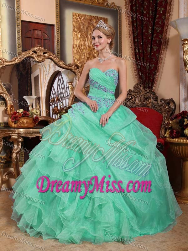 Sweetheart Ruched Sweet Quinceanera Dresses in Apple Green