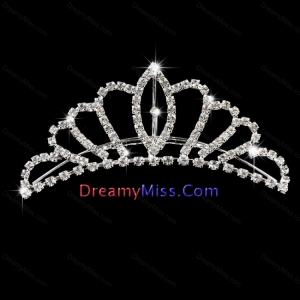 Classic Tiara Decorated With Shimmering Rhinestone