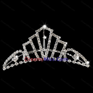 Fashionable Tiara With Rhinestone Adorned