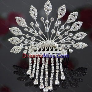 Luxurious Tiara With Rhinestone Adorned