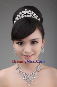 Exquisite Tiara and Necklace in Alloy and Rhinestone