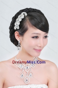Rhinestone Dignified Necklace and Tiara