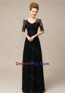 Popular Half Sleeves Laced Black Prom Dresses with V Neck