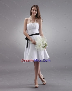Popular White Strapless Sashes Prom Gowns with Knee Length