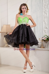 2015 Black and Spring Green A Line Beaded Exquisite Prom Dress