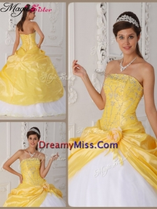 Elegant Appliques Quinceanera Gowns with Hand Made Flower