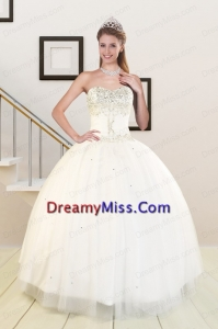 2015 Sweetheart White Quinceanera Dresses with Beading and Lace up
