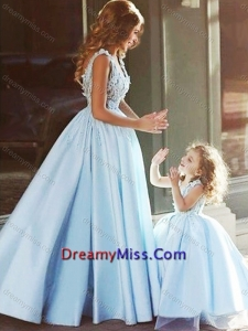 Amazing V Neck Satin Prom Dress with Appliques and Most Popular Big Puffy Little Girl Dress with Straps
