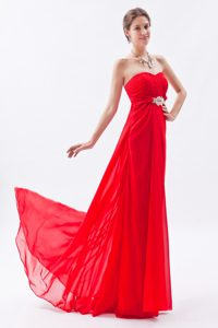Red Empire Strapless Chiffon Evening Dresses with Beading and Ruching