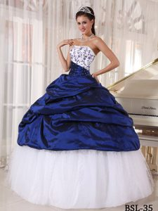 Classical White and Blue Lace-up Quinceanera Dresswith Beading