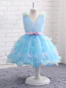 Customized Baby Blue Ball Gowns Organza Scoop Sleeveless Appliques and Hand Made Flower Knee Length Zipper Little Girl Pageant Dress