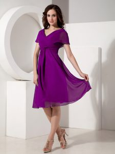 Noble Empire Prom Dresses Eggplant Purple V-neck Chiffon Short Sleeves Knee Length Zipper