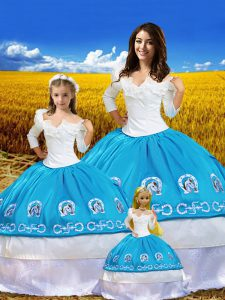 Hot Selling 3 4 Length Sleeve Floor Length Embroidery Lace Up Quinceanera Gowns with Blue And White