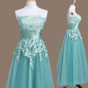 Nice Sleeveless Lace Up Tea Length Appliques Dama Dress for Quinceanera