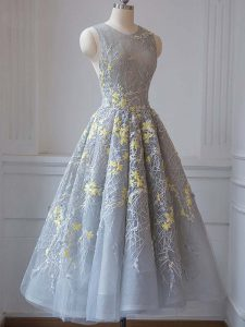 Sleeveless Tulle Tea Length Criss Cross Dress for Prom in Grey with Lace and Appliques