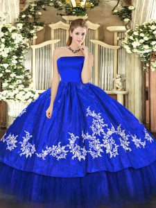 Luxury Organza and Taffeta Sleeveless Floor Length Vestidos de Quinceanera and Embroidery