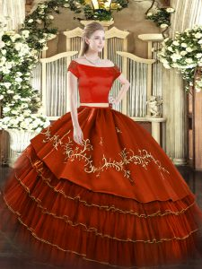 Rust Red Zipper Off The Shoulder Embroidery and Ruffled Layers Quinceanera Dresses Organza and Taffeta Short Sleeves