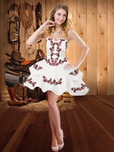 Mini Length Lace Up Prom Dress White for Prom and Party with Embroidery