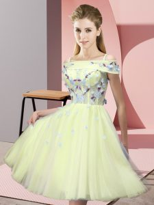 Custom Made Yellow Tulle Lace Up Off The Shoulder Short Sleeves Knee Length Damas Dress Appliques