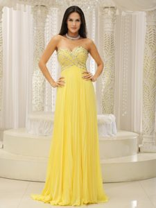 Urbane Sweetheart Beaded Prom Dresses with Pleating for Summer in Yellow