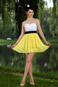 Ornate Yellow and White Sweetheart Mini Prom Formal Dress with Black Sash