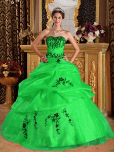 Low Price Green Sweetheart Quinces Dress with Embroidery for Long Girls
