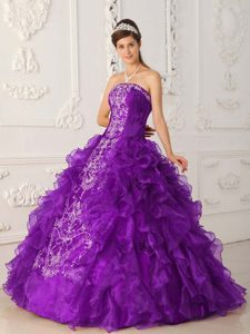 New Arrival Strapless Purple Sweet 15 Gowns with Ruffles and Embroidery