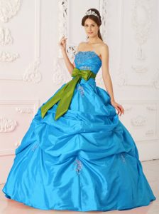 Wholesale Aqua Blue Strapless Quinceaneras Dress with Pick-ups and Bow