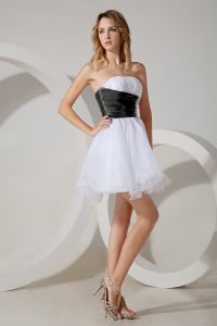 Latest White and Black and White And Black Strapless Zipper Beading Dama Dress Sleeveless