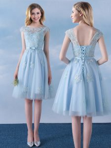Dynamic Scoop Appliques and Belt Quinceanera Court Dresses Light Blue Lace Up Cap Sleeves Knee Length