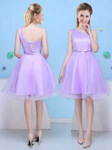 One Shoulder Lavender Tulle Lace Up Vestidos de Damas Sleeveless Knee Length Bowknot