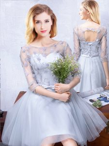 Unique A-line Vestidos de Damas Grey Scoop Tulle Half Sleeves Knee Length Lace Up
