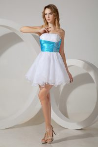 White Strapless Neckline Beading Court Dresses for Sweet 16 Sleeveless Zipper