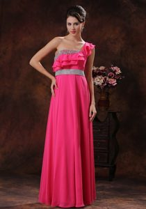 Flounced One-shoulder Long Hot Pink Chiffon Casual Prom Dress with Beading