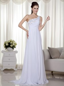 Nice White One Shoulder Brush Train Ruched Beaded Chiffon Evening Party Dress