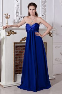 Royal Blue Sweetheart Long Ruched Chiffon Evening Dresses with Beading