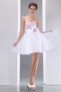 White Sweetheart Mini-length Evening Dresses with Beading and Flower