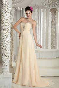 Hot Zipper-up Sweetheart Neck Champagne Evening Dresses with Beads