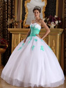 White and Apple Green Quinceaneras Dresses with Appliques