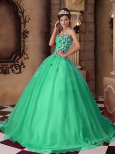 Green A-line Sweetheart Long Quinceanera Gowns with Beading