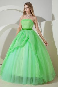 Flattering Apple Green A-line Strapless Beading Quinces Dresses in