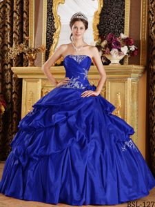 Beautiful Royal Blue Dress for Quince with Appliques to Long