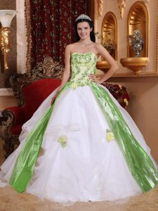 Green and White Beaded Sweet Sixteen Dresses with Flowers and Appliques
