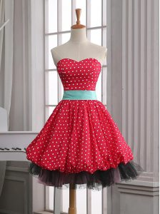 Deluxe Red Sleeveless Mini Length Lace and Pleated Zipper Club Wear