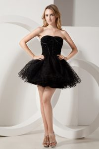 Fashionable Black Strapless Prom Gown Dress Mini-length Beaded
