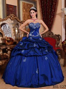 Deep Blue Sweetheart Quinceanera Dress with Appliques and Pick-ups