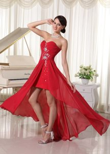 Fashionable High-low Beaded Prom Dresses Chiffon Sweetheart Ruched in Red