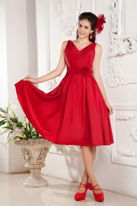 Modest V-neck Knee-length Hot Red Holiday Dresses with Sash and Flower