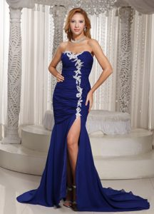 Mermaid Royal Blue Sweetheart Ruched Homecoming Dresses with Appliques